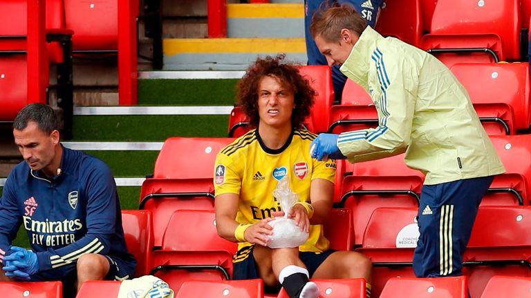 David Luiz went off injured against Sheffield United