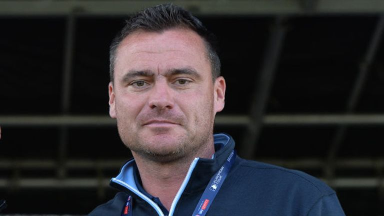 Steve Harper will continue in his role with Northern Ireland