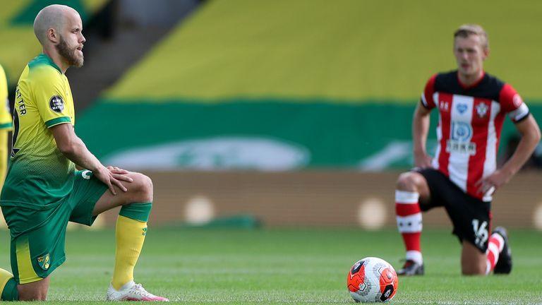 Norwich and Southampton players take a knee at kick-off