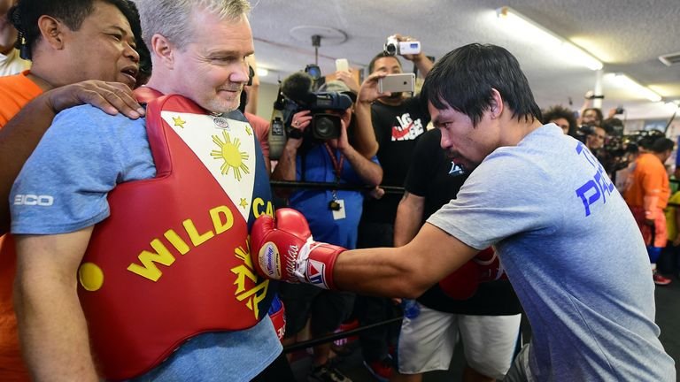 Roach and Pacquiao in action