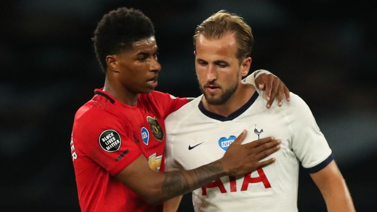 Marcus Rashford consoles Harry Kane