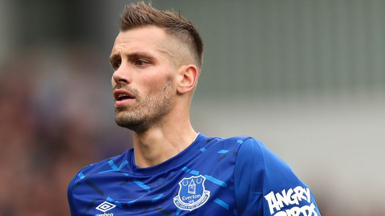 Morgan Schneiderlin has returned to his homeland to join Nice