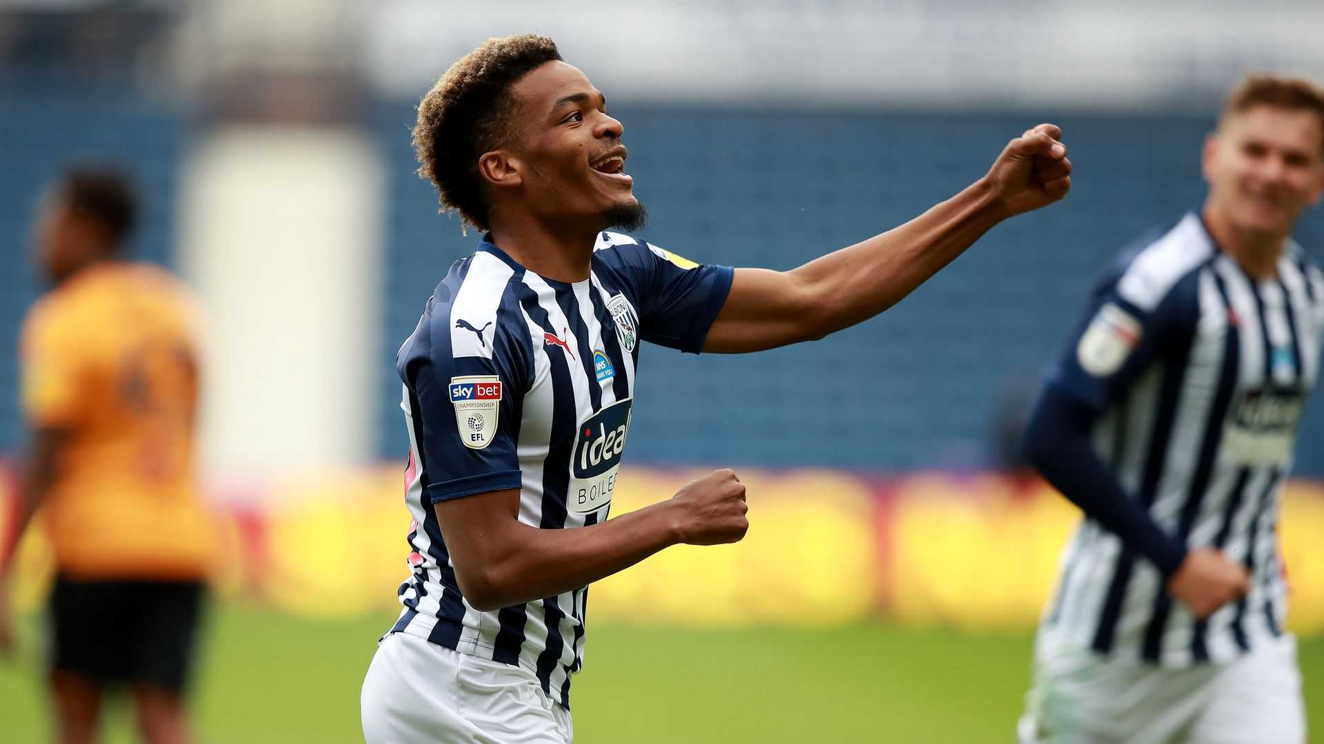 WBA hit four past Hull to edge closer to PL