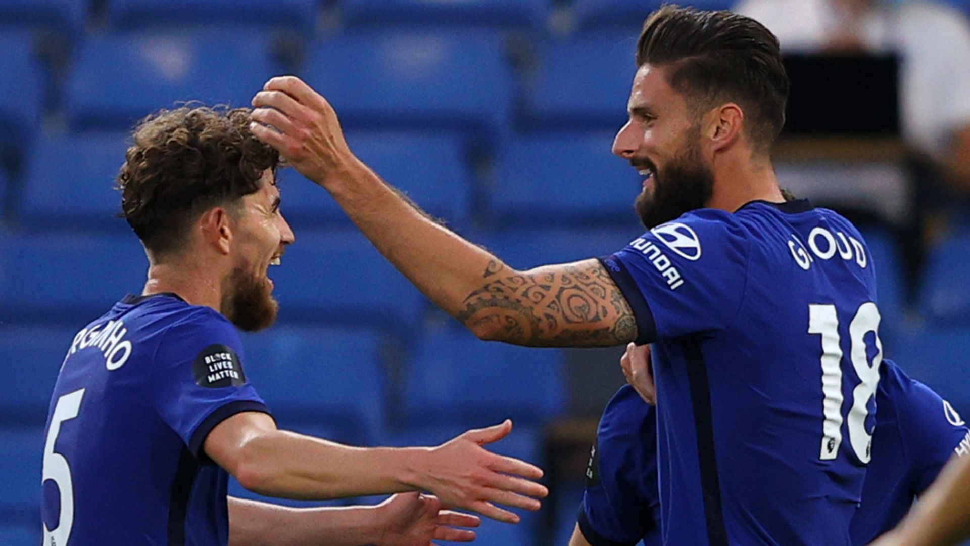 Giroud gives Chelsea edge in CL charge