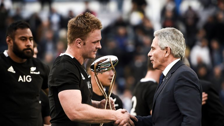 Marcelo Rodriguez shakes hands with New Zealand's Sam Cane during last year's Rugby Championship