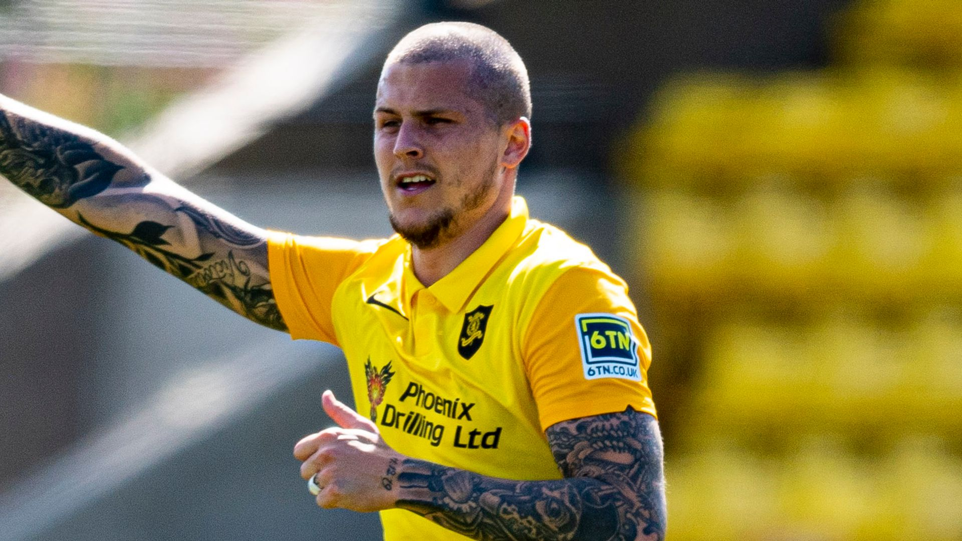 QPR sign Dykes from Livingston