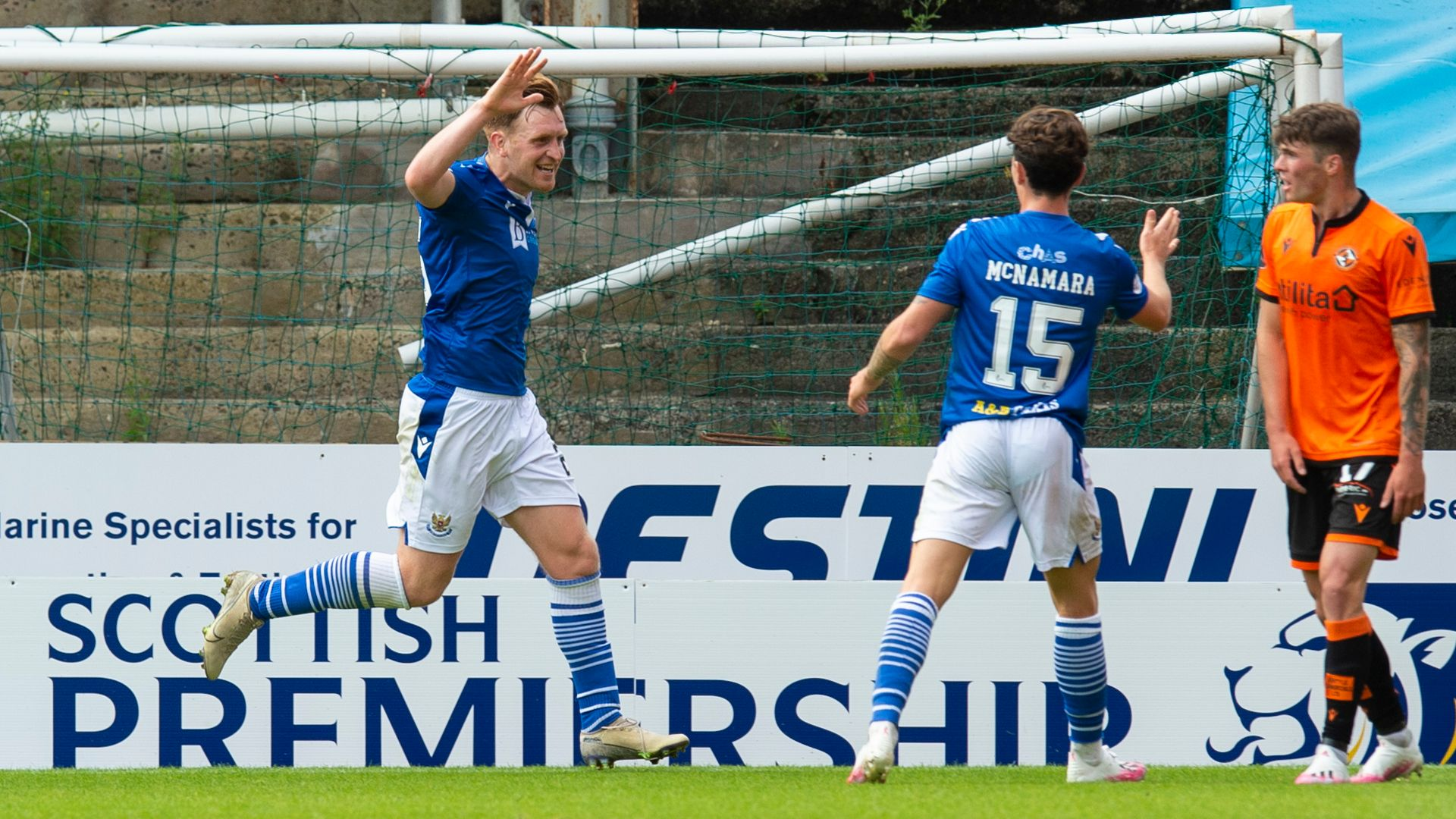 Dundee United held by 10-man St Johnstone