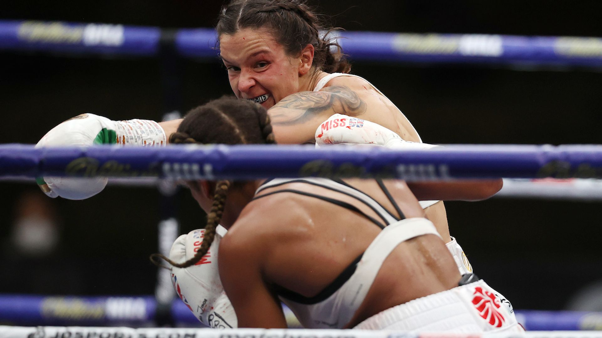 Harper retains title after thrilling draw - sky sports