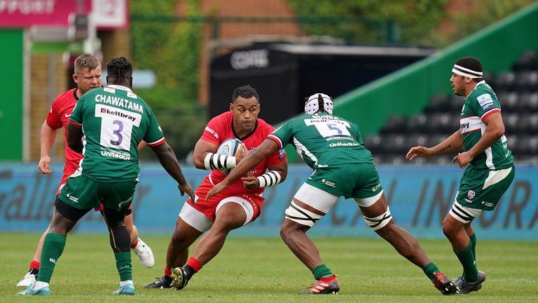 Billy Vunipola carries for Saracens
