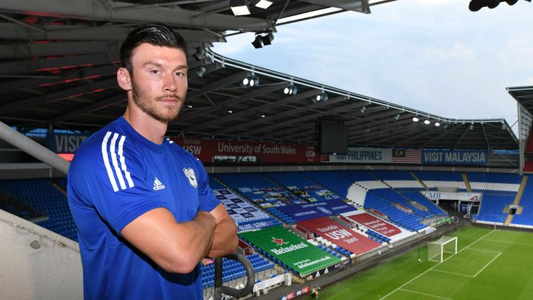 Kieffer Moore has completed his move to Cardiff