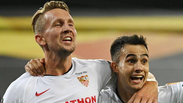 Luuk de Jong punished some poor Man Utd defending to score the winner