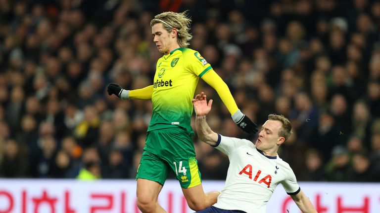 Skipp challenges Norwich's Todd Cantwell during last season's FA Cup