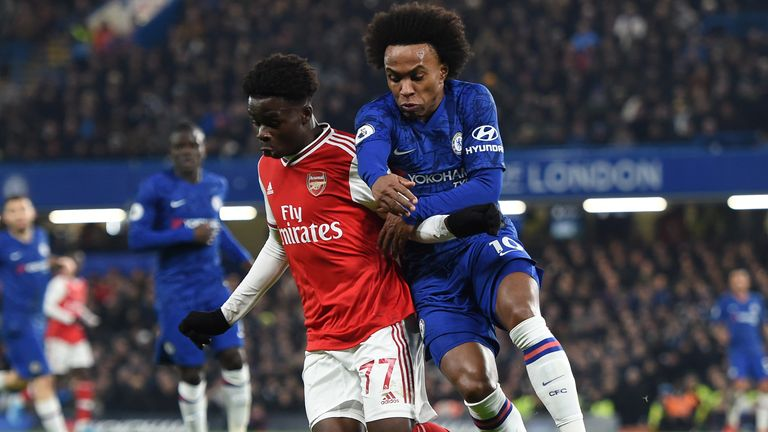 Willian could give Arsenal a boost in the short term, says Alan Smith