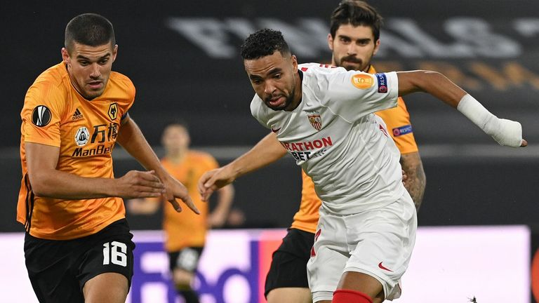 Sevilla reached the last four with a 1-0 win over Wolves