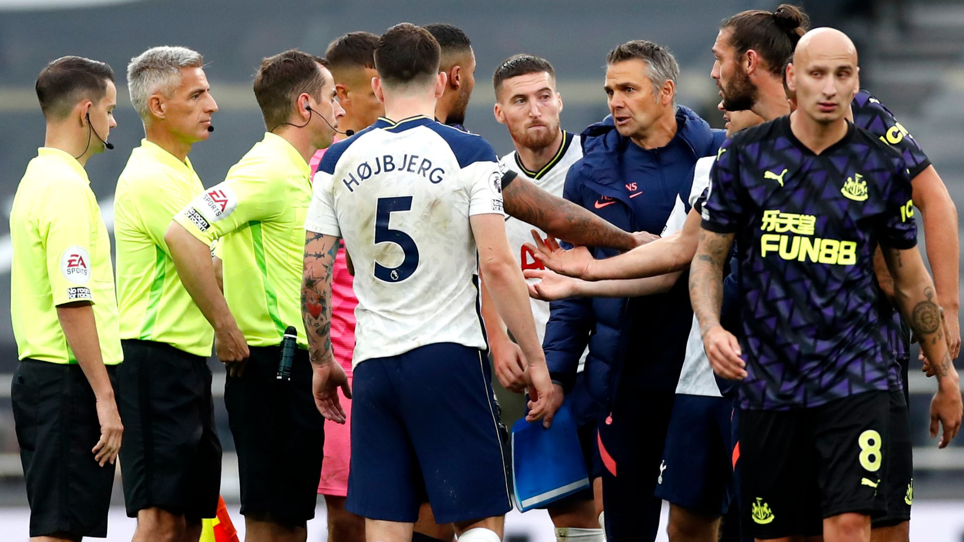 Spurs coach Santos handed one-match ban