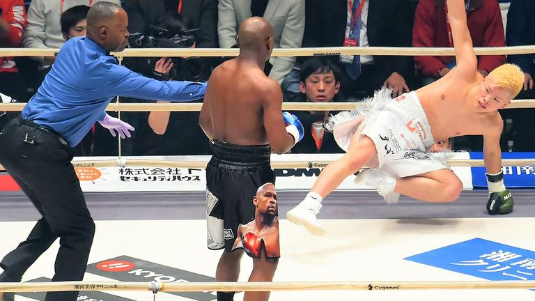 Mayweather shared the ring with kickboxer Tenshin Nasukawa last January