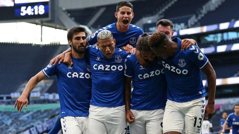Everton celebrate Dominic Calvert-Lewin's winning goal at Tottenham