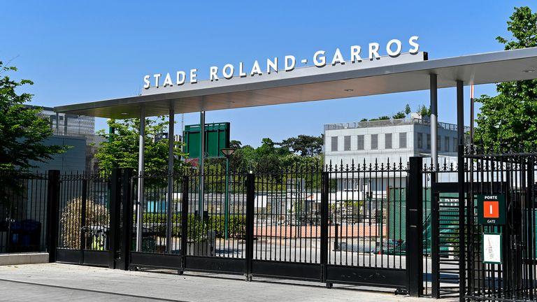 Roland Garros is preparing to allow 5,000 spectators per day into the venue