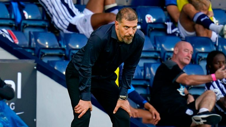 Slaven Bilic regarde West Brom battu 3-0 par Leicester
