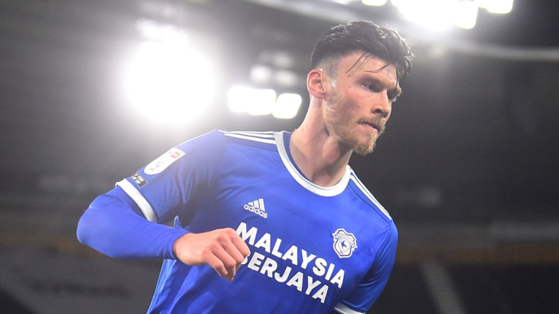 Moore earns late point for Cardiff