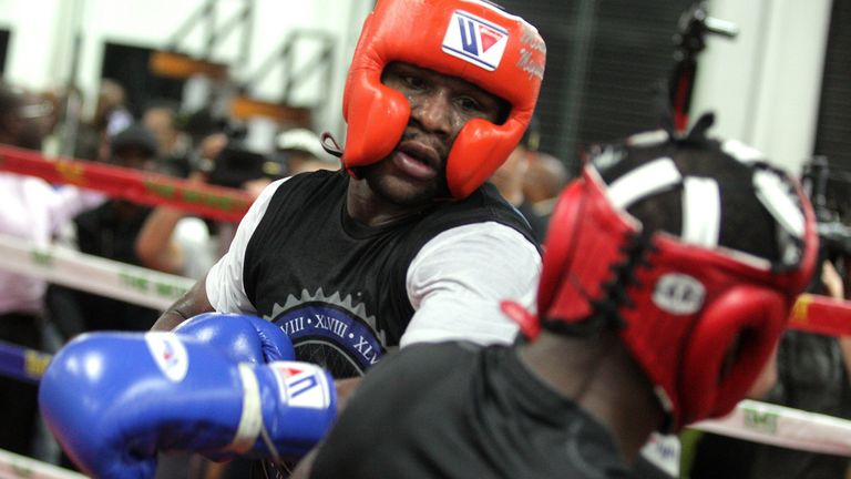 Mayweather regularly KO'd sparring partners, says Theophane