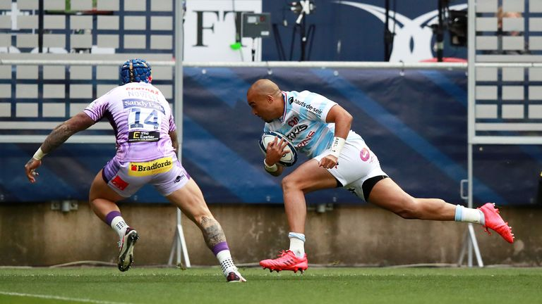 Simon Zebo goes over in the corner for his first try