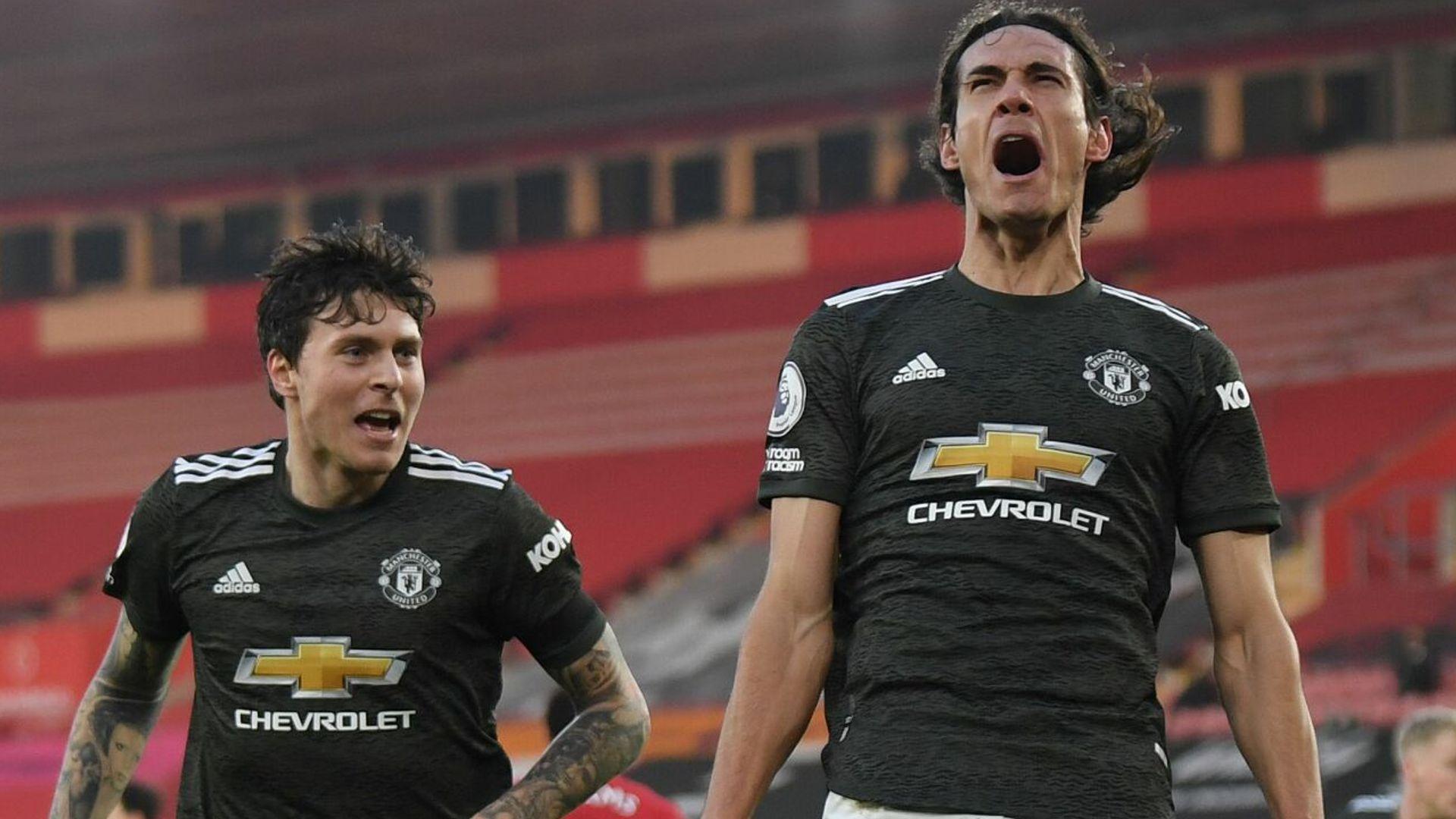 Super sub Cavani secures dramatic Man Utd comeback win