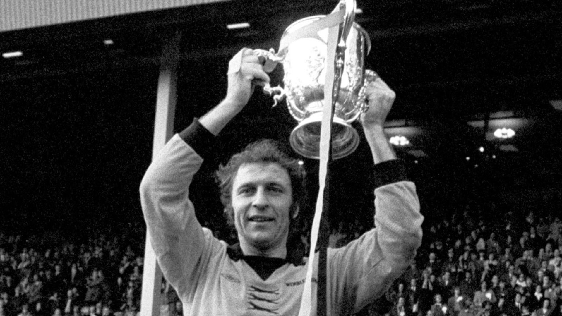 Former Wolves captain Bailey diagnosed with dementia