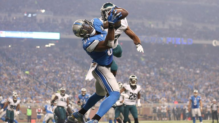 Calvin Johnson makes a third-quarter touchdown catch against the Eagles in 2015