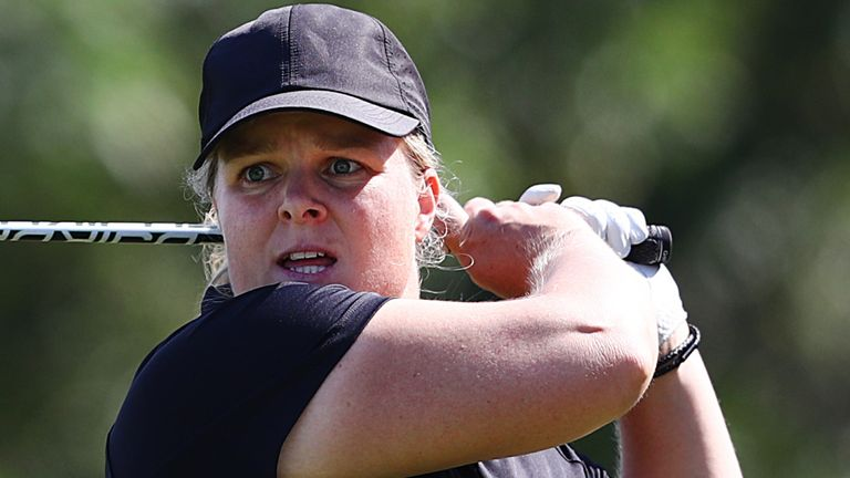 Caroline Hedwall retained her narrow lead in Dubai