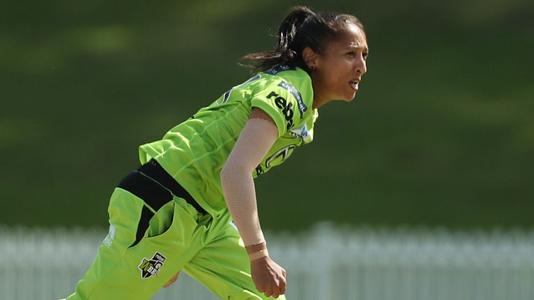 Shabnim Ismail took 4-10 to seal Sydney Thunder's semi-final place in Women's Big Bash League