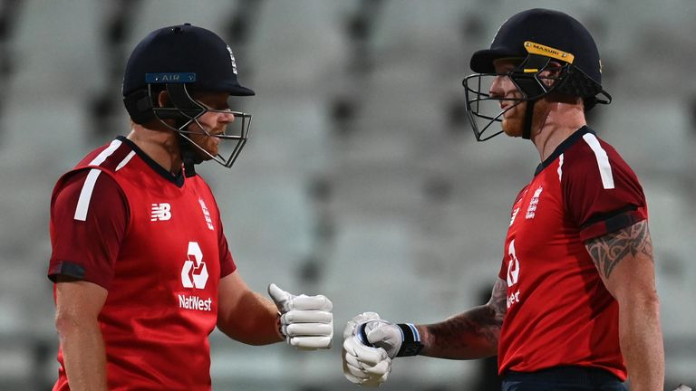 Jonny Bairstow (L) and Ben Stokes shared an 85-run partnership for the fourth wicket as England beat South Africa by five wickets