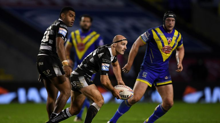 Hull beat Warrington to reach the semi-final stage