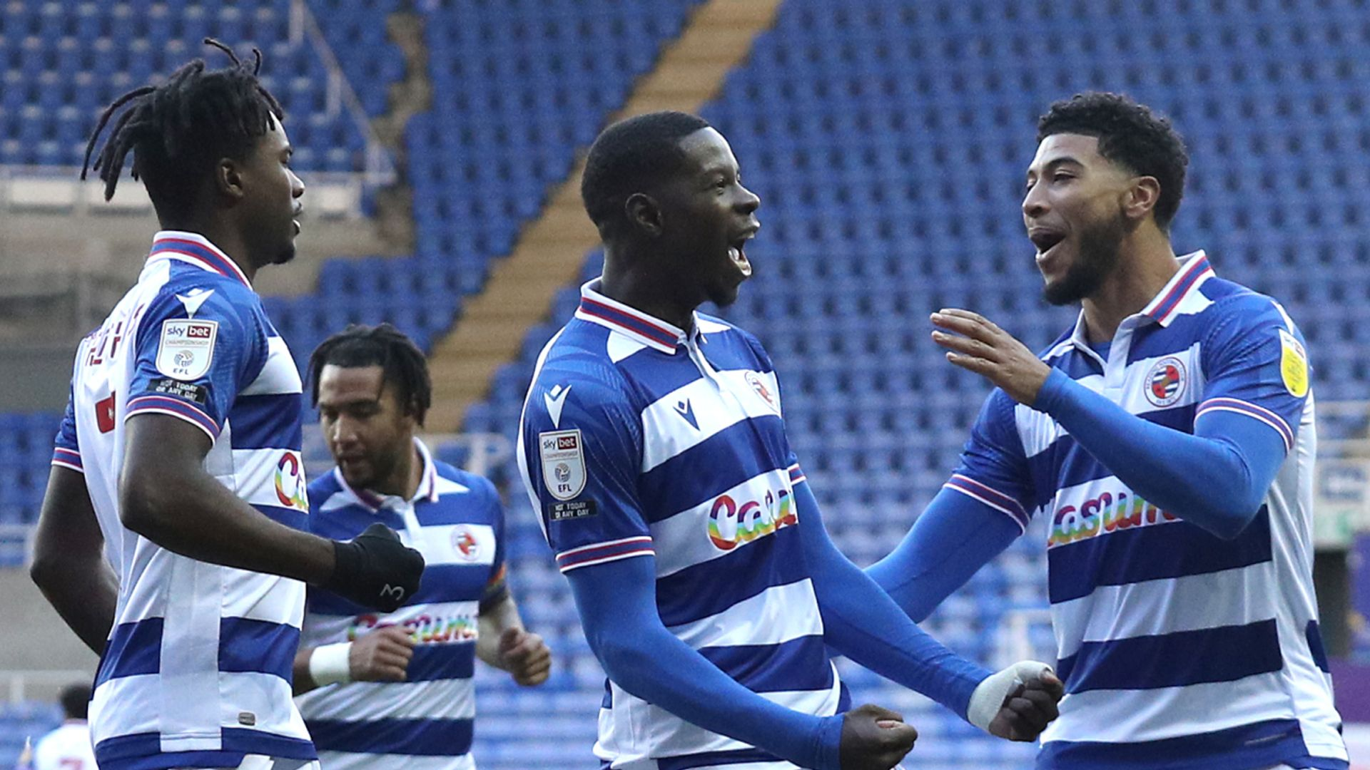 Championship: Reading lead Forest, 3pms build-up LIVE!