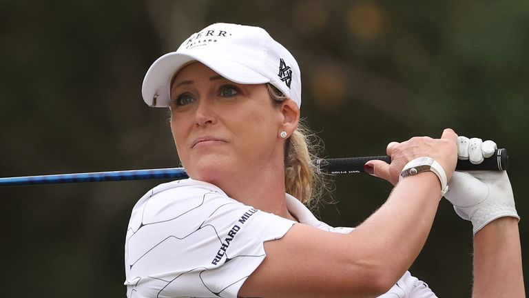 Cristie Kerr is just five off the lead despite being injured