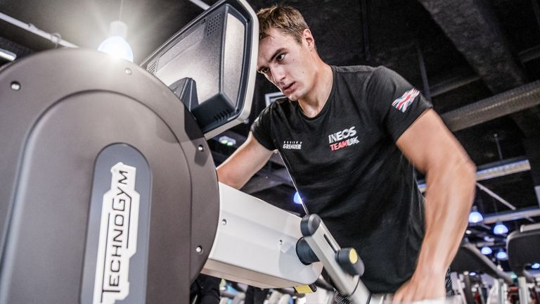 Neil Hunter, one of INEOS TEAM UK's grinders, in training in the gym (Image Credit: HARRY KH_)
