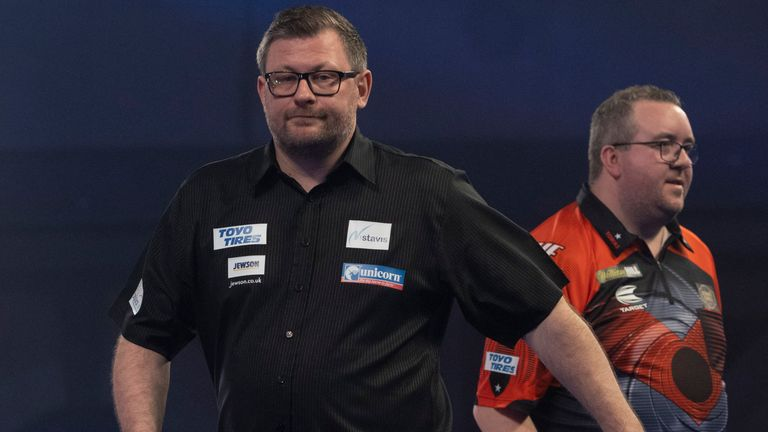Bunting defeated Wade in their last televised clash at the World Championships (Image: Lawrence Lastig / PDC)