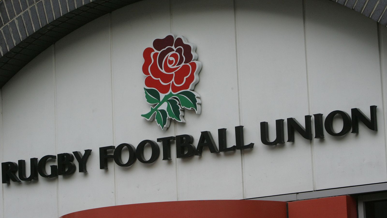 RFU to reduce tackle height in junior games for all ages from shoulder to armpit, for player welfare