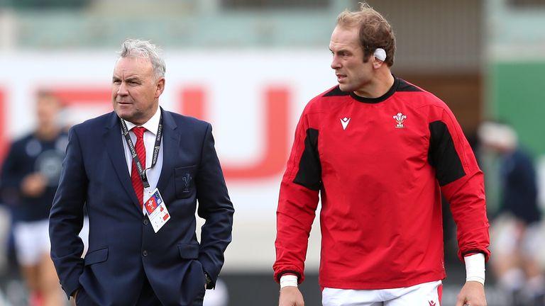 Wales coach Wayne Pivac (L) and skipper Alun Wyn Jones are hoping for a winning start on Sunday