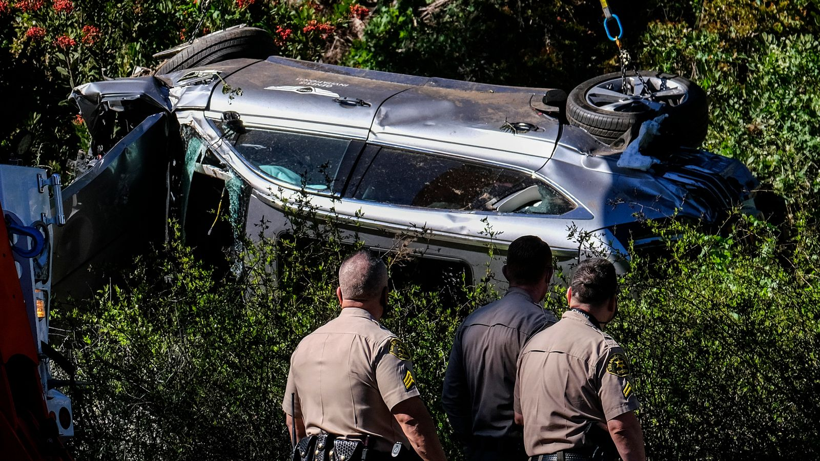 Tiger Woods car crash: Woods not expected to face any criminal charges, says LA Sheriff | Golf ...