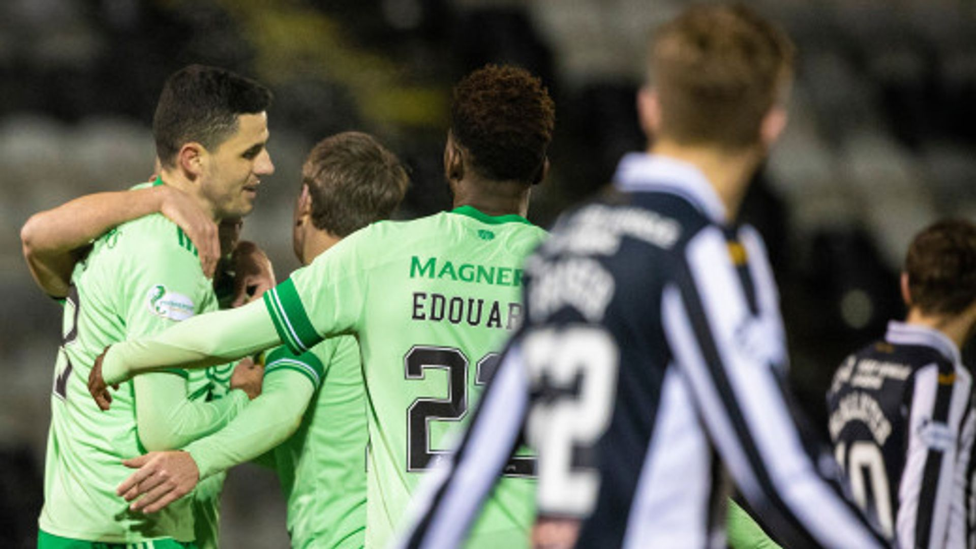 Celtic thump St Mirren to secure third straight win