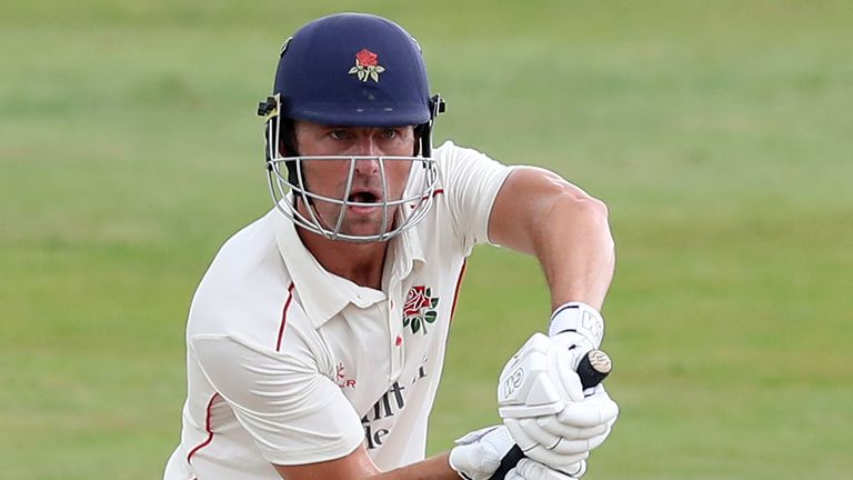 Dane Vilas has re-signed for Lancashire as an overseas player for the 2021 campaign