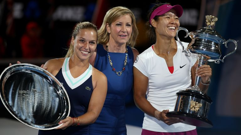 Former world No 1 and two time Australian Open champion, Chris Evert (centre) has backed McEnroe's stance on the tie-break