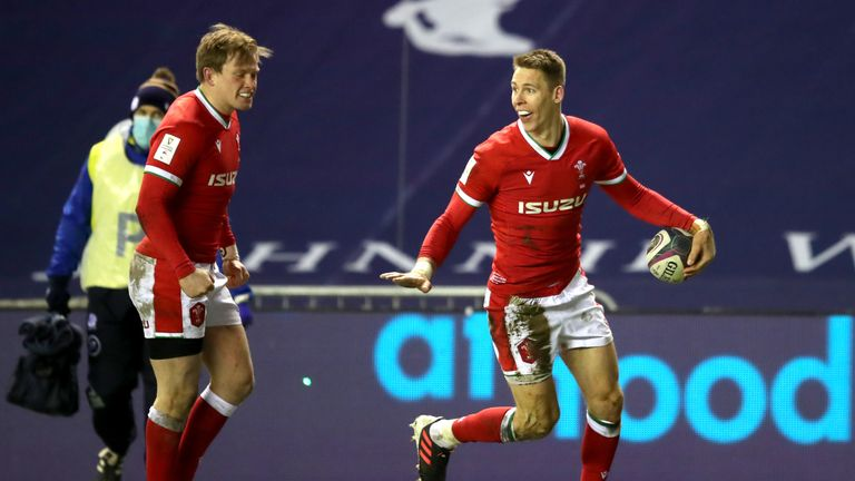Liam Williams celebrates scoring for Wales