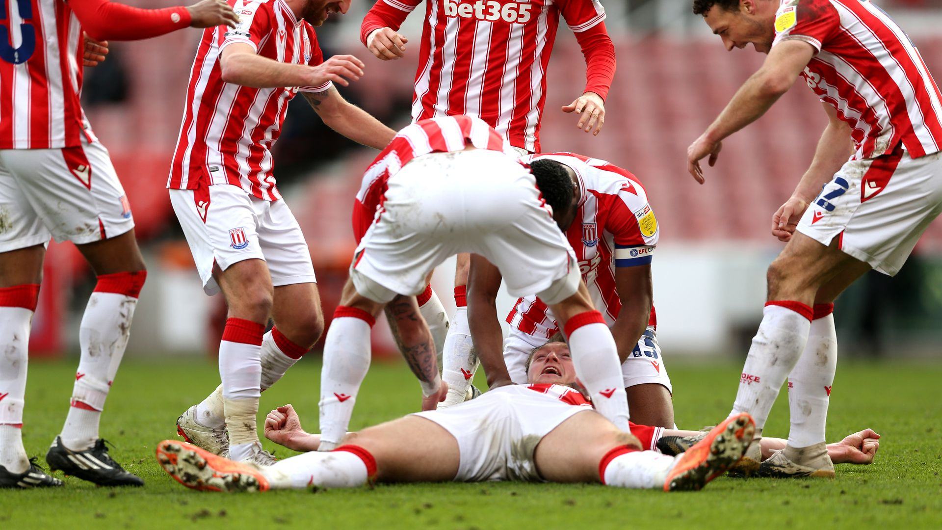Stoke see off Wycombe
