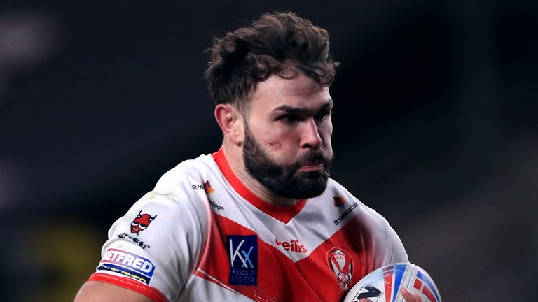 Alex Walmsley has committed his future to St Helens by signing a new long-term contract