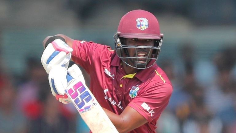 Darren Bravo scored a fine century as the West Indies chased down 275 to beat Sri Lanka in the third ODI in Antigua