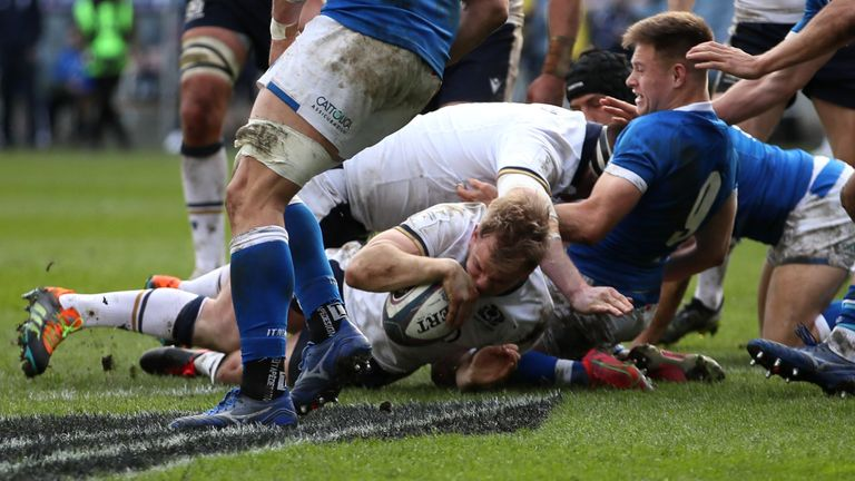 Scotland could clinch a second-place finish with victory in Paris