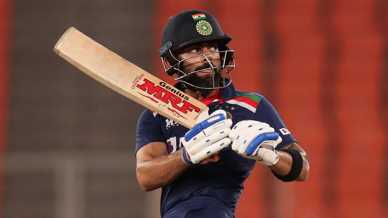 Virat Kohli made an unbeaten 80 at the top of the order as India beat England in the T20 series decider