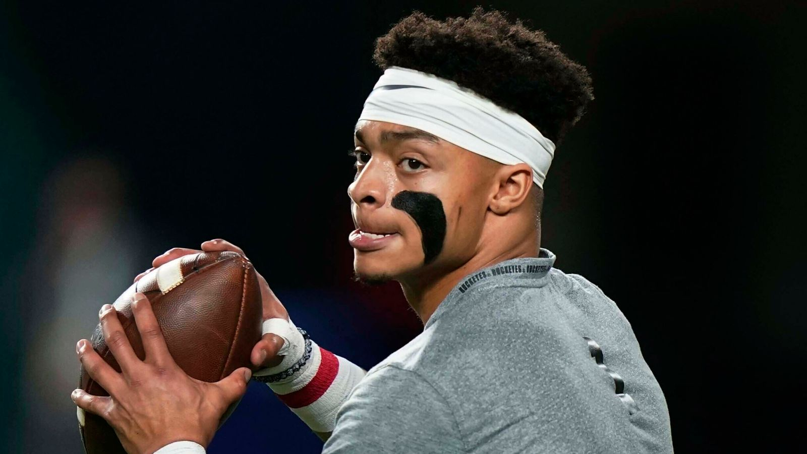 Justin Fields slide a 'dirty part' of NFL Draft process, says Jeff Reinebold